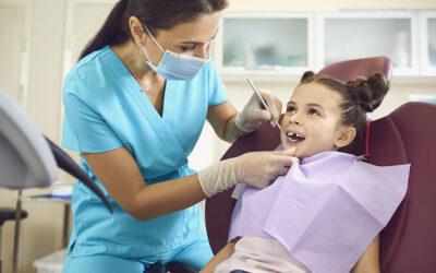 Co to jest lakowanie zębów?