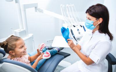 Zęby mleczne, czy warto leczyć?