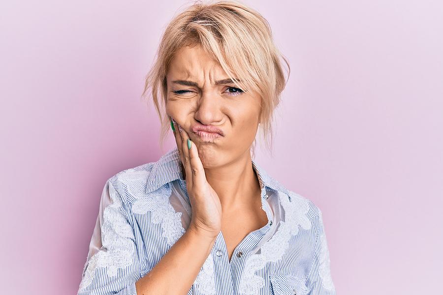 Parodontoza – co musisz o niej wiedzieć?